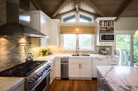 les cuisines schmidt cuisine les cuisines schmidt avec magenta couleur les cuisines