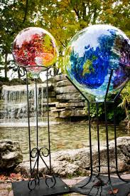 dig this garden decor supports structures kitras art glass is a canadian glass blowing studio that produces innovative beautiful and decorative glass objects for the home and garden