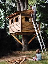 How To Build A Cheap Cabin by How To Build A Treehouse For Your Backyard Diy Tree House Plans