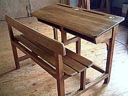 bureau d ecolier bureau d écolier en chêne et hêtre ancien avec encriers meubles
