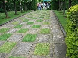pavimentazione giardino prezzi pavimento da esterno prezzi piastrelle in gres effetto legno