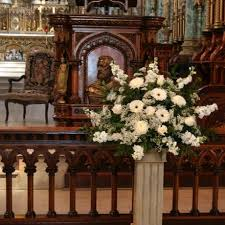 wedding flowers ottawa notre dame cathedral basilica wedding flowers w flowers ottawa