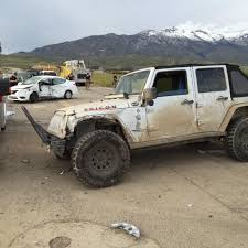 crashed jeep wrangler jeeps stinger seriously injures in crash
