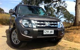 mitsubishi cars white mitsubishi pajero wallpapers and car specifications