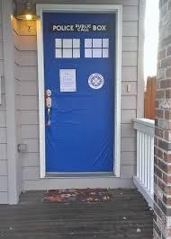 Dr Who Tardis Bookshelf Throw A Doctor Who Season Premiere Party Sustaining The Powers