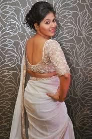 South Actress Anjali Wearing White Wrinkle Chiffon Saree Imagenes