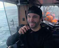 deadliest catch feud jonathan keith deadliest catch dungeon cove sneak peek the little boat that