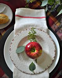 easy thanksgiving table setting ideas that are easy on the budget