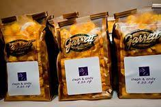 Garretts Popcorn Wedding Favors by How To Incorporate Chicago Into Your Wedding Day Second City