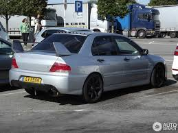 silver mitsubishi lancer mitsubishi lancer evolution ix 15 september 2015 autogespot