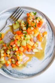 cuisiner de la dorade daurade crue et marinée au citron petits légumes recette de poisson