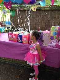 peppa pig birthday party goody bags peppa party pinterest