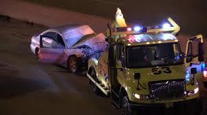 2 injured in dan ryan tow truck crash abc7chicago com