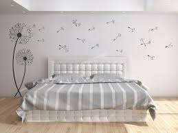 wandtatoos schlafzimmer wandtattoo pusteblumen mit fliegenden samen wandtattoo de