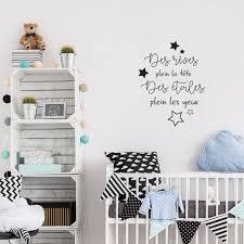 stickers étoile chambre bébé sticker pharses pour chambre enfant avec des étoiles décorécébo