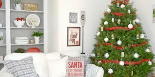 Gorgeous Ways To Decorate Your Farmhouse Family Room For Christmas - Decorating your family room