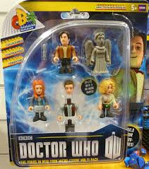 build a doctor doctor who character building the ponds in new york micro figure