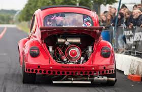 volkswagen old red audi quattro rs6 vs big turbo vw old beetle drag race 2016