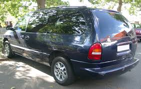 file chrysler grand voyager front 20070914 jpg wikimedia commons