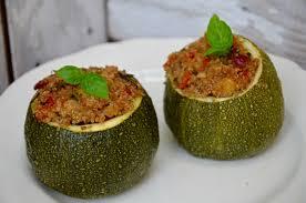 cuisine de courgettes courgettes farcies au quinoa et aux légumes la p tite cuisine de