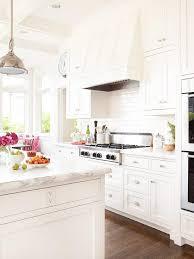 White Kitchen Pics - best 25 classic white kitchen ideas on pinterest wood floor