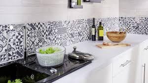 recouvrir du carrelage de cuisine plaque pour recouvrir carrelage mural cuisine beau plaque murale pvc