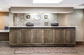 Comfort Suites At Woodbridge New Jersey Comfort Suites Near Potomac Mills 2017 Room Prices Deals