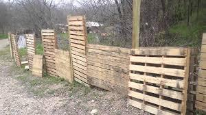 Diy Vertical Pallet Garden - pallets fence vertical gardens youtube