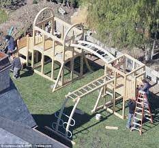 Backyard Jungle Gyms by Kim Kardashian And Kanye West Build Large Playground For Daughter