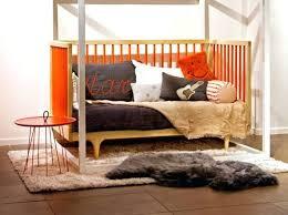 canape lit ado banquette chambre ado une banquette lit pour le jour comme la nuit