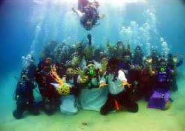 underwater wedding underwater wedding in thailand redgage