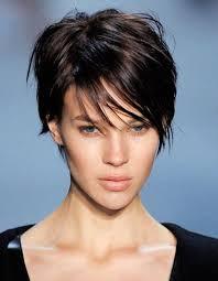 coupe cheveux tendance les 25 meilleures idées de la catégorie coupes de cheveux sur