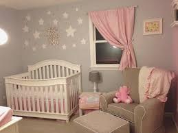 déco chambre de bébé fille deco chambre bebe fille 5 etoiles mur rideau lzzy co