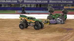 monster jam brisbane 2014 dragon u0027s breath rolls freestyle