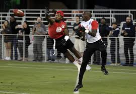 Flag Football Equipment New Flag Football League Brings Out Former Nfl Stars 710 Knus