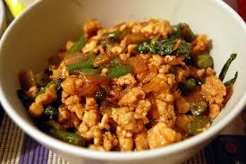 cuisiner le sauté de porc recette porc sauté au basilic recettes asiatiques restaurants