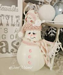 sweet melanie lightbulb snowman