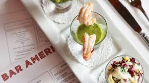 bar am駻icain cuisine bobby flay s bar americain in midtown manhattan ny closes robb report