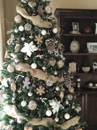 Christmas Tree Decorating Ideas With Bows by Holiday Charm Rustic Farmhouse Christmas Tree And Holidays