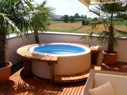 garden tub for small house in town
