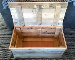 Build A Wood Toy Chest by Diy Wood Pallet Toy Storage Box 99 Pallets