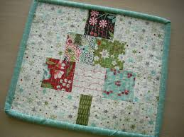 sew and quilt a christmas tree mini quilt a diy project brooke
