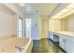 bathroom paint color with green marble tile help needed