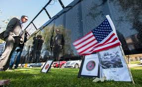 Vietnamese Freedom Flag Vietnam Memorial Wall Comes To Buena Park Offers Chance To Heal