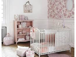 idées chambre bébé fille deco fille bebe barricade mag