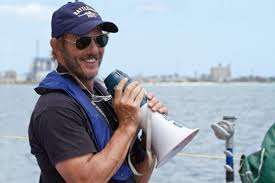 peter berg friday night lights director peter berg says no to friday night lights movie but yes to