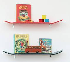 etagere murale chambre enfant etagère skate lecons de choses file dans ta chambre