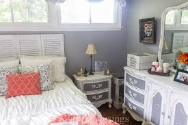 coral bedroom ideas gray and coral bedroom makeover diy and thrift from top to