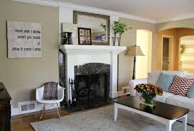 Two Tone Living Room Walls by Living Room Paint Schemes With Chair Rail White Ceiling Modern