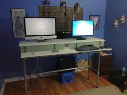 Standing Desk Diy by 37 Diy Standing Desks Built With Pipe And Kee Klamp Simplified